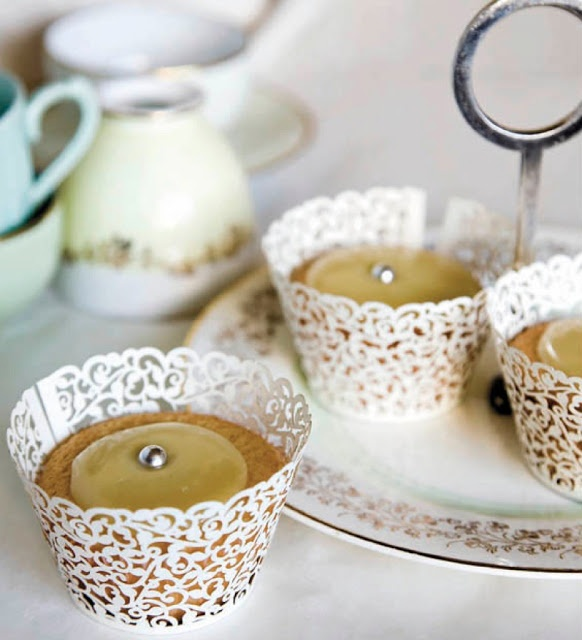 SPACE FOR INSPIRATION: tea cakes in doily cups