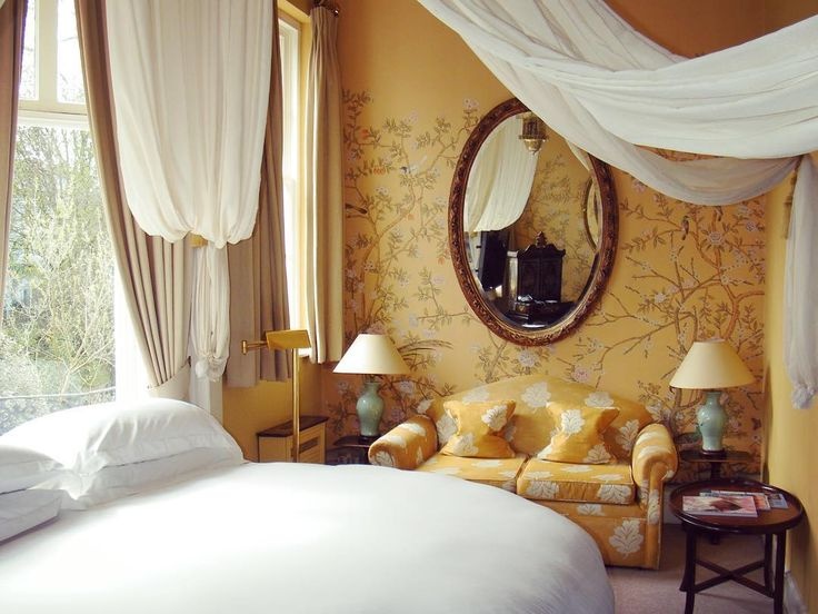 The opulent, room 16, with circular bed, luxurious fabrics and views of the private gardens. #luxurytravel #boutiquehotel #nottinghill #portobellohotel #london #travel