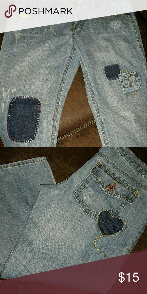 Womens capris Adorable womens Capris brand new Old Navy Jeans Ankle & Cropped