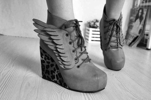 little winged feet.Shoes, Fashion, Cowboy Boots, Ankle Boots, Leopards Prints, Wedges, Animal Prints, Heels, Angels Wings