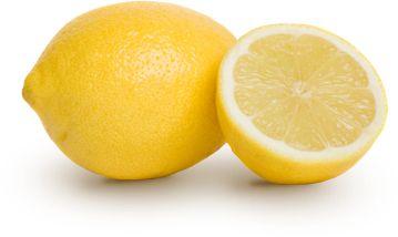 Citroen bevat anti-oxidaten (werk tegen veroudering) en vit.A,B en C.  De blekende werking van citroensap werkt tegen pigment vlekjes,zuiveren de huid en peppen een vermoeide, vale huid op. Een nagelbadje voor mooie witte,sterke nagels en het blonderen van je haar. Maar citroen kan meer. duw ruwe plekken in een halve citroen (bv. ellebogen, knieën), om ze te verzachten. De sap verzacht ook een insectenbeet. De schil van de citroen  1 keer per week over je tanden wrijven voor wittere tanden