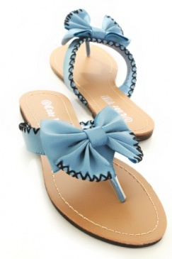 Simple bow sandles  :)Baby Blue, Bags Shoes Bags, Blue Sandals, Blue Bows, Blue Faux, Awesome Pin, Random Pin, Bows Sandals, Leather Bows