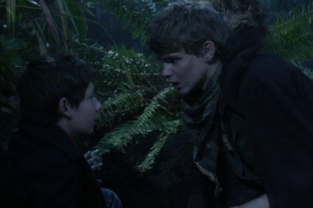 Ouat Peter Pan Actor | Once Upon a Time': Will Peter Pan Be Able to Turn Henry Against His ...