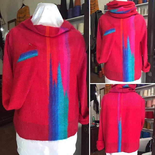 Per fortuna non è la mia taglia  #maglione #sweater #colore #colors #tramedistoria #tessutoamano #handwoven