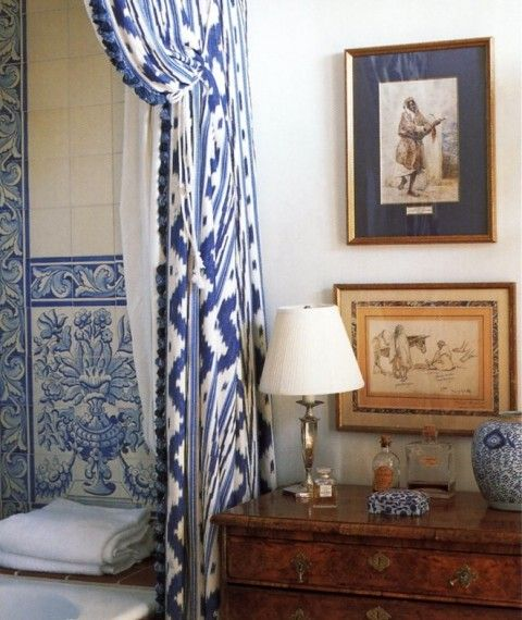 LOVE the curtain detail in this bathroom.