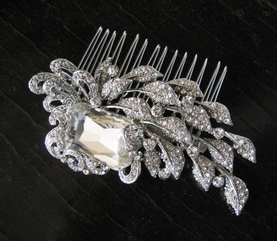 Stunning Comb.    I love the look of this when looking for an alternative to a tiara!  <3