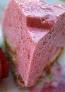 bavarois aux fraise à l'agar agar...épinglé par Maurie Daboux..✿