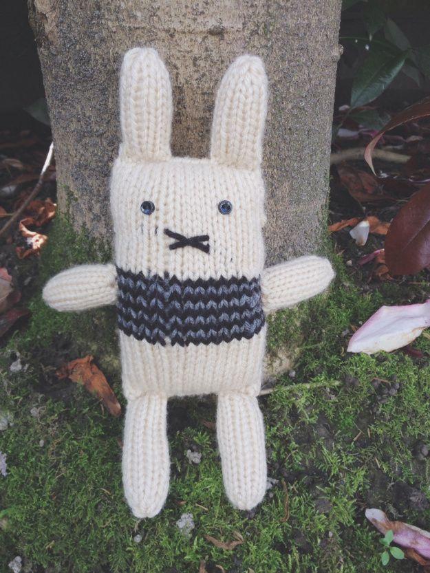 Bunny stuffy pattern by Purl & Company | purlandcompany.com