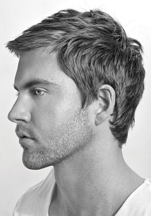 előre fésült férfi frizura