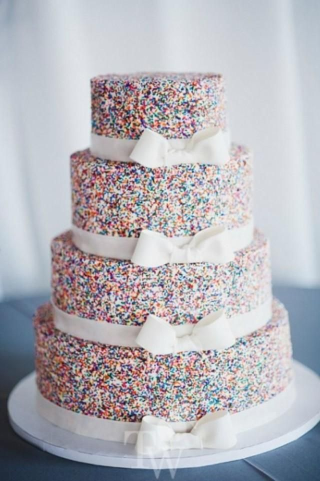 Sprinkle cake for your wedding modern