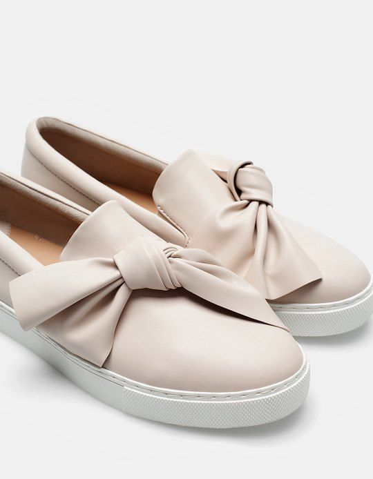 At Stradivarius you'll find 1 Slip ons with bow trim for woman for just 25.95 €…