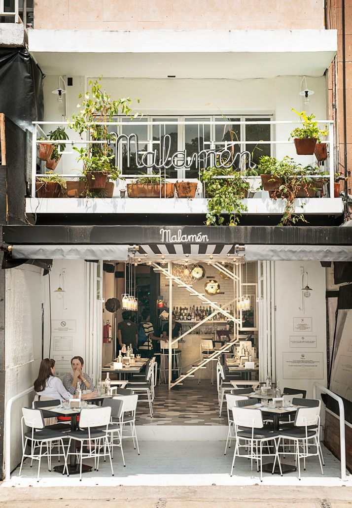 25 best ideas about small cafe design on pinterest for Architecte interieur restaurant