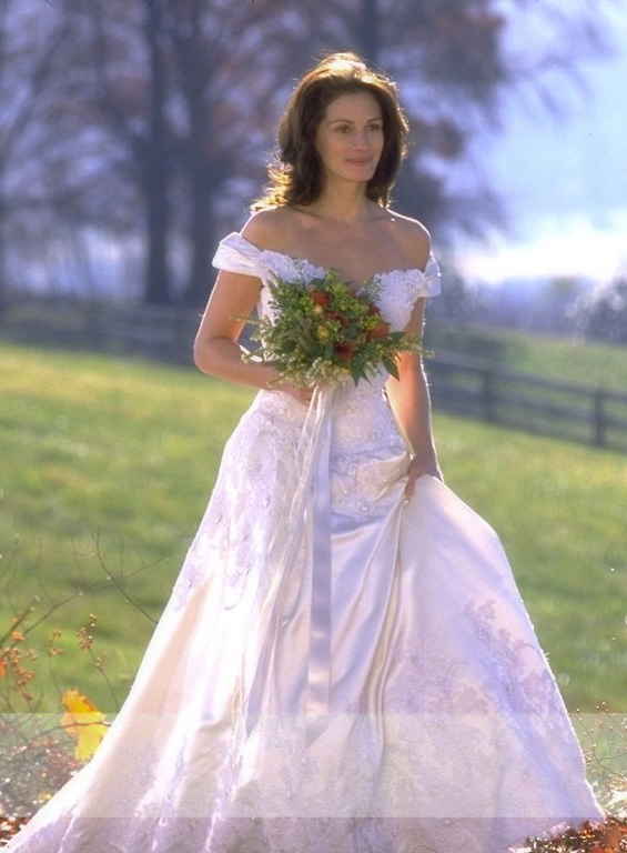 Julia Roberts in 'Runaway Bride' (1999) wearing a gown by