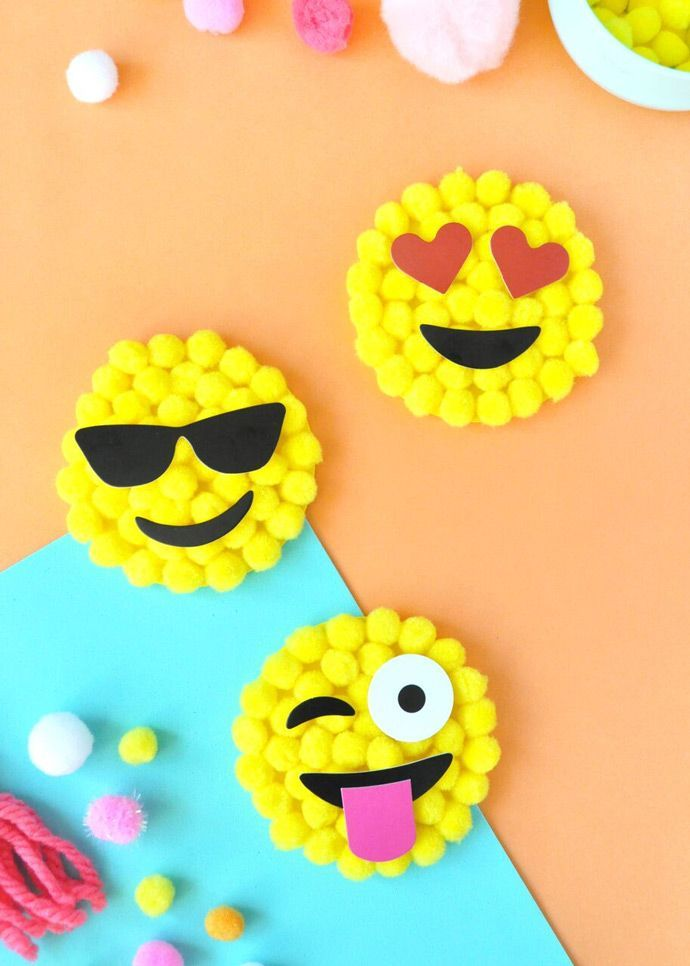 DIY emoji pom-pom by number