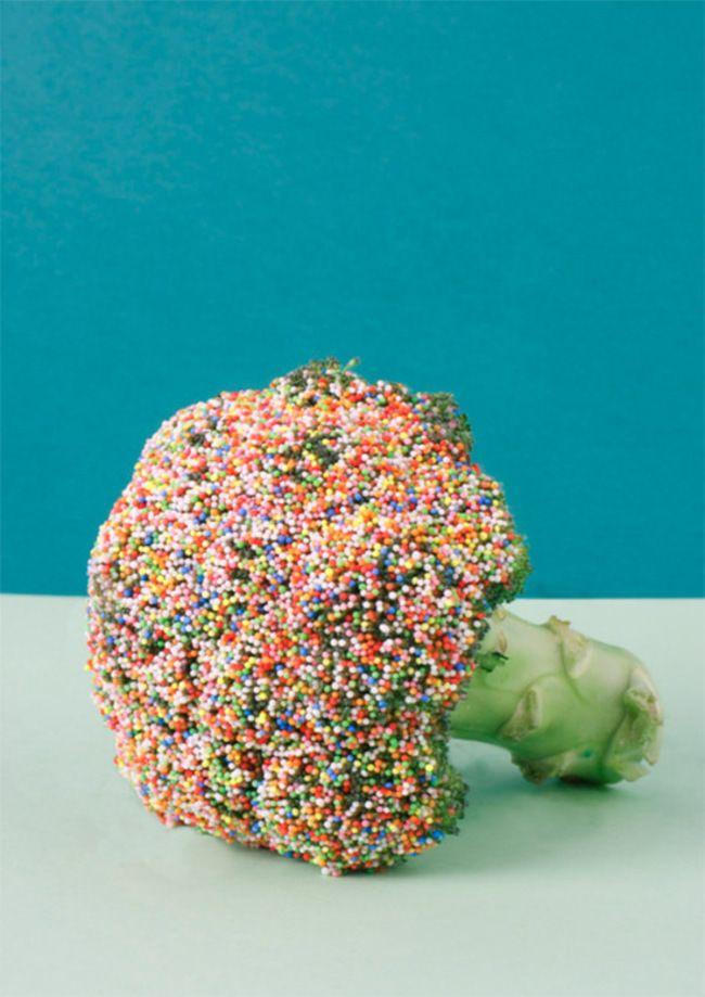 Saupoudrez des vermicelles en sucre sur les aliments rejetés par vos enfants, afin de les rendre plus attirants.