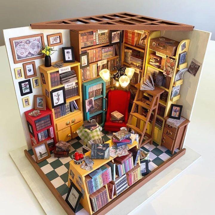 Rolife Classic DIY Library Mini House Neat woodcraft