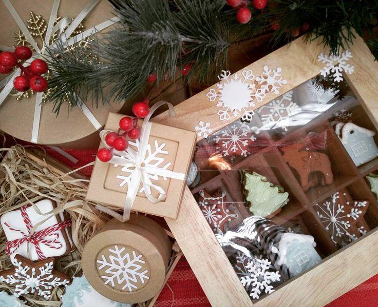 Намети метелица РАДОСТИ и СЧАСТЬЯ полный дом!  #подаркинановыйгод  #радость  #пряники #готовимсякпразднику  #уютнаязима  #рождество  #новыйгоднаносу