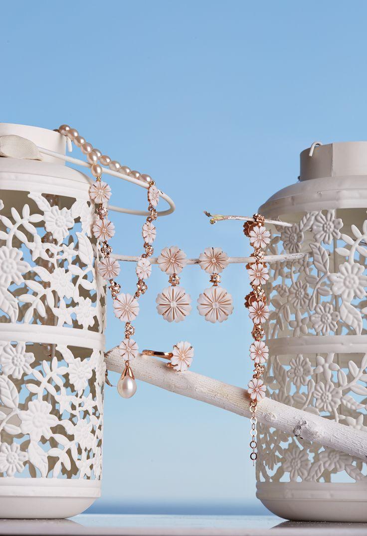 Fantasy Coral fantasycoral.it Parure in argento rose con cammei e perle
