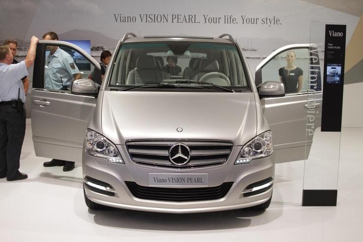 Яхта на четырех колесах —Mercedes-Benz Viano Vision Pearl