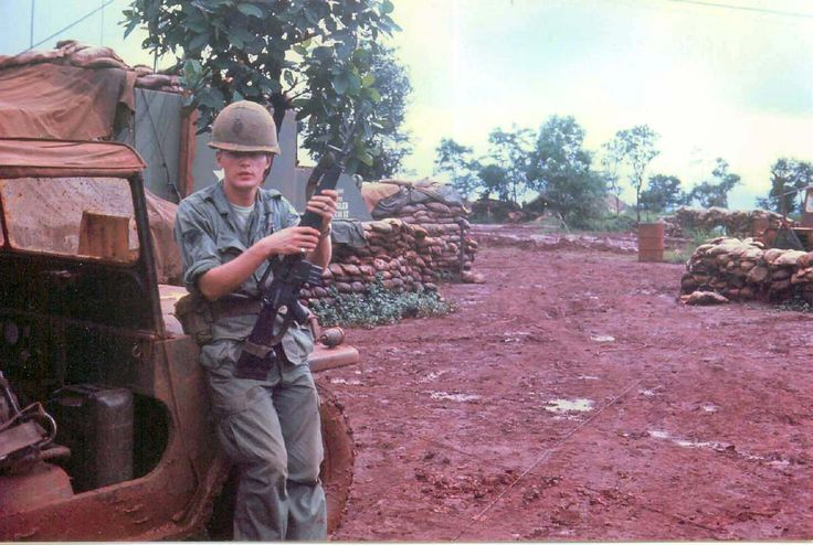 Vietnam 1969 1970 Army 4th inf | Muddy Road 1966 | Army Vietnam 4th Infantry Division