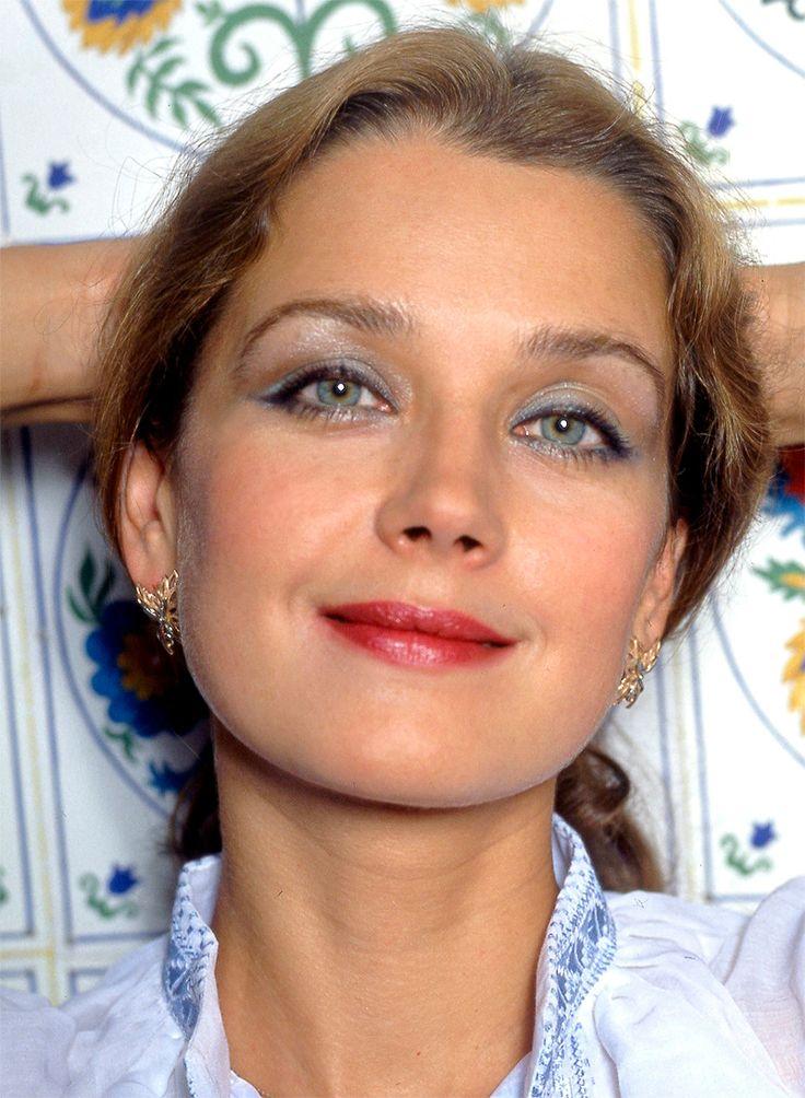 Телки высокие русские актрисы самотыком попку