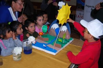 Región de La Araucanía: ¡Participa en la 2° Feria Escolar de Ciencia y Tecnología para niños, niñas y jóvenes de Malleco! La actividad se realizará el 9 de noviembre y tiene como objetivo estimular el interés por la ciencia y tecnología desde temprana edad. Más información en EXPLORA.CL. http://www.explora.cl/araucania/noticias-araucania/1883-participa-en-la-2-feria-escolar-de-ciencia-y-tecnologia-para-ninos-ninas-y-jovenes-de-malleco