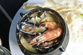 Our divine seafood potjie