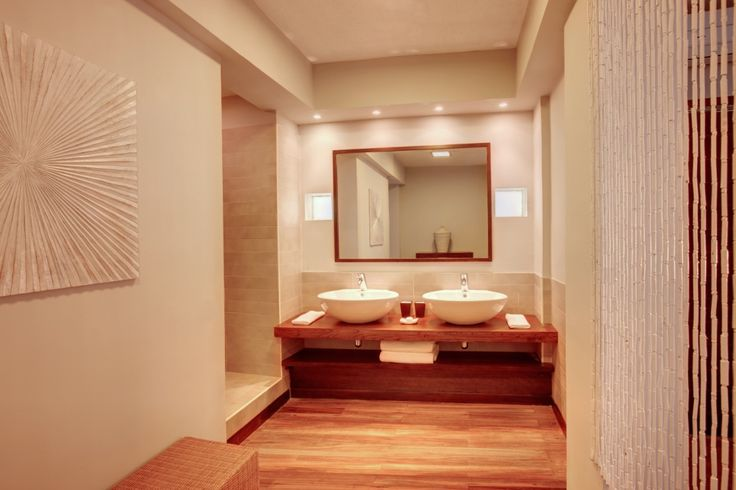 Deluxe Room bathroom - Solana Beach