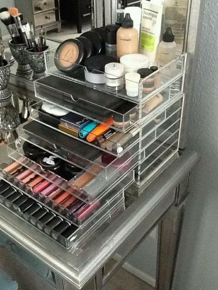 les 25 meilleures images du tableau organiser son maquillage sur pinterest id es d co pour la. Black Bedroom Furniture Sets. Home Design Ideas