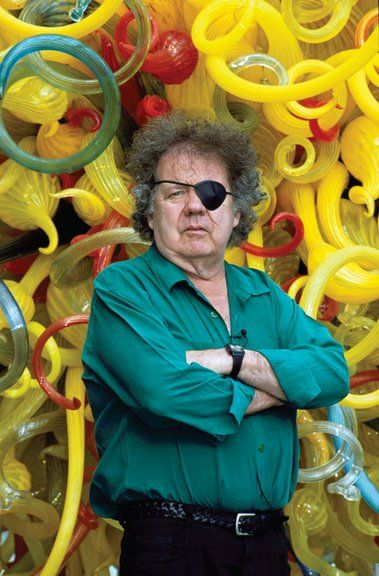 Dale Chihuly.  Great glass sculptures, and wears an eye patch as the result of an auto accident.