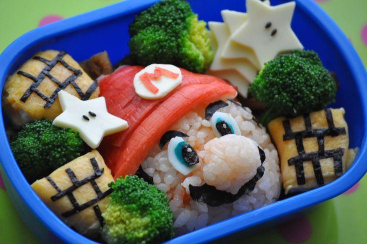 ボーイのお弁当の日♪  「世界一有名なヒゲのおっさん」  「おっさん」なのに子供に大人気。  「おっさん」のくせによく動く。  「おっさん...
