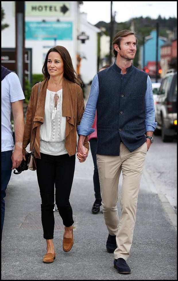 Pippa Middleton taking a stroll with husband James Matthews through the village of Glengarriff where the wedding of Camilla Campion-Awwad will take place. Pic: Steve Humphreys