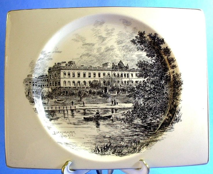 Plate Biarritz Royal Staffs Buckingham Palace Square Clarice Cliff 1930s