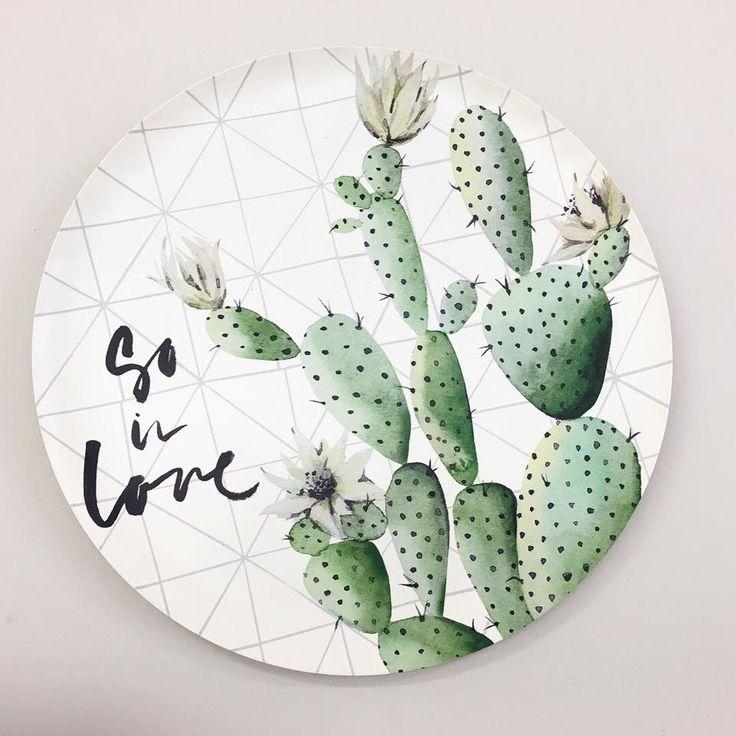 #vacchetti #vacchettispa #cactus #accessories #articoliperlacasa #estate2018 #newcollection #piatto #piattodecorato #piattocolorato #homecollection #complementidarredo #homeidea #home #giftidea #idearegalo #homedecor #inspire_me_home #homestyle #homedesign #myhome