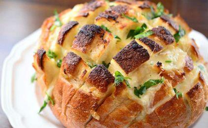 Γεμιστό ψωμί με τυρί και μανιτάρια