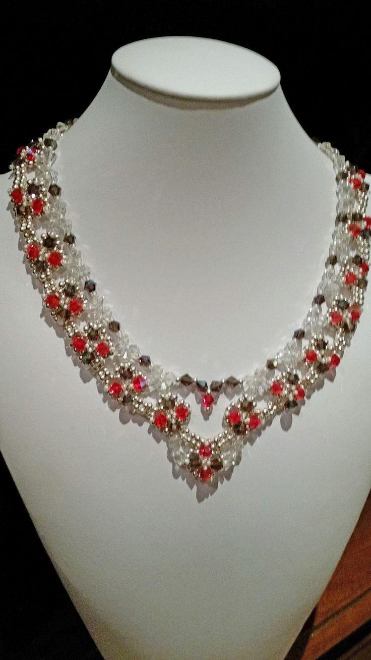 collana di swarovski rosso- viola - cristallo realizzata interamente a mano con tessitura di perline argento : Collane di giujoux