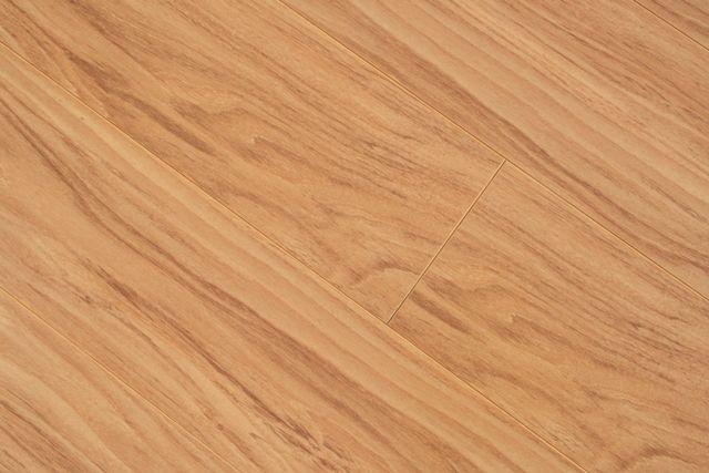 Laminate Flooring Can I Bleach Laminate Flooring