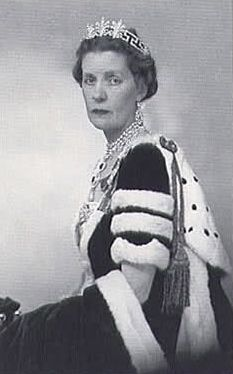 Lady Cynthia Spencer wearing the Spencer Honeysuckle Tiara, United Kingdom (by 1885; diamonds).
