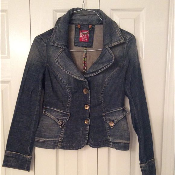 Miss Sixty Jeans Blazer  Miss Sixty Jeans Blazer  size M ..NEW WITHOUT TAGS ‼️ has Never been worn ‼️ Beautiful  Miss Sixty Jackets & Coats Jean Jackets