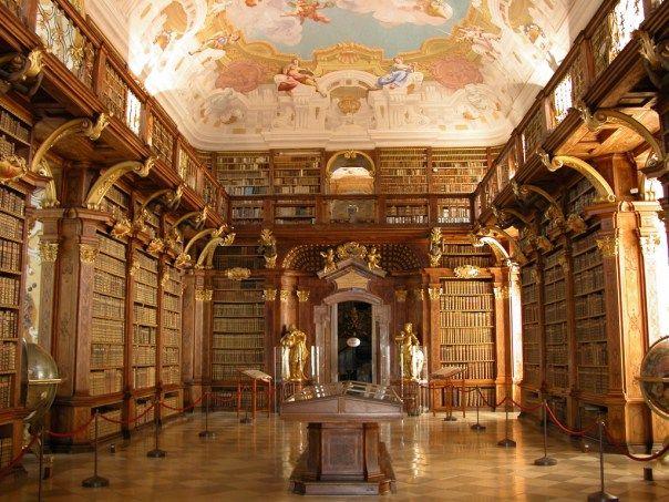 Biblioteca de la Abadia de Melk, Austria. tomado de Vivir sin cultura | maestroviejo