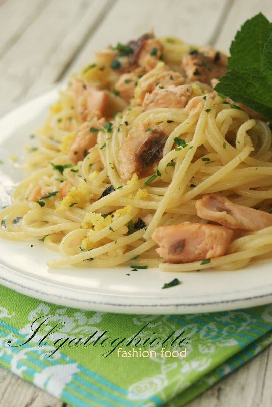 Spaghettini con la trota salmonata alla vodka, menta e limone