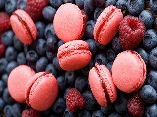 Cookies Pink Berries HD Wallpaper