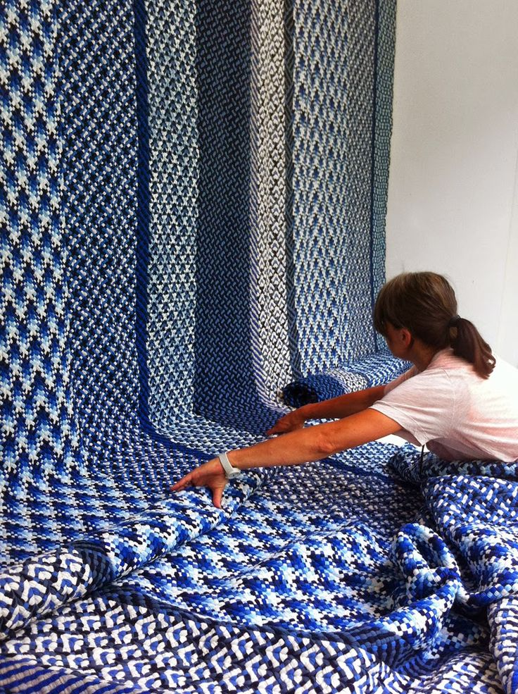 Re Rag Rug: rugs made out of waste material from the t-shirt industry