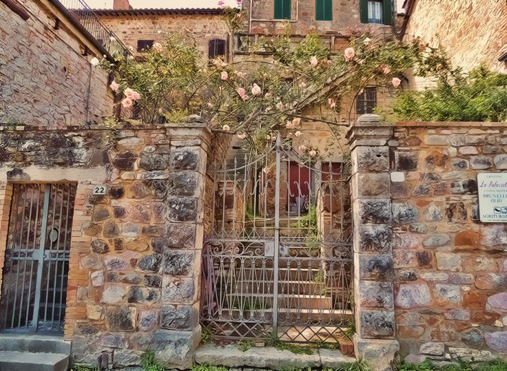 Montalcino, the home of Brunello wine is likely to be included on your Tuscany Tour. #tuscanytour, #montalcino, #tuscany