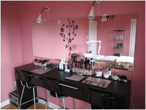 Pink and Pretty Makeup Room  Notice the Motives Makeup on the desk... :-)