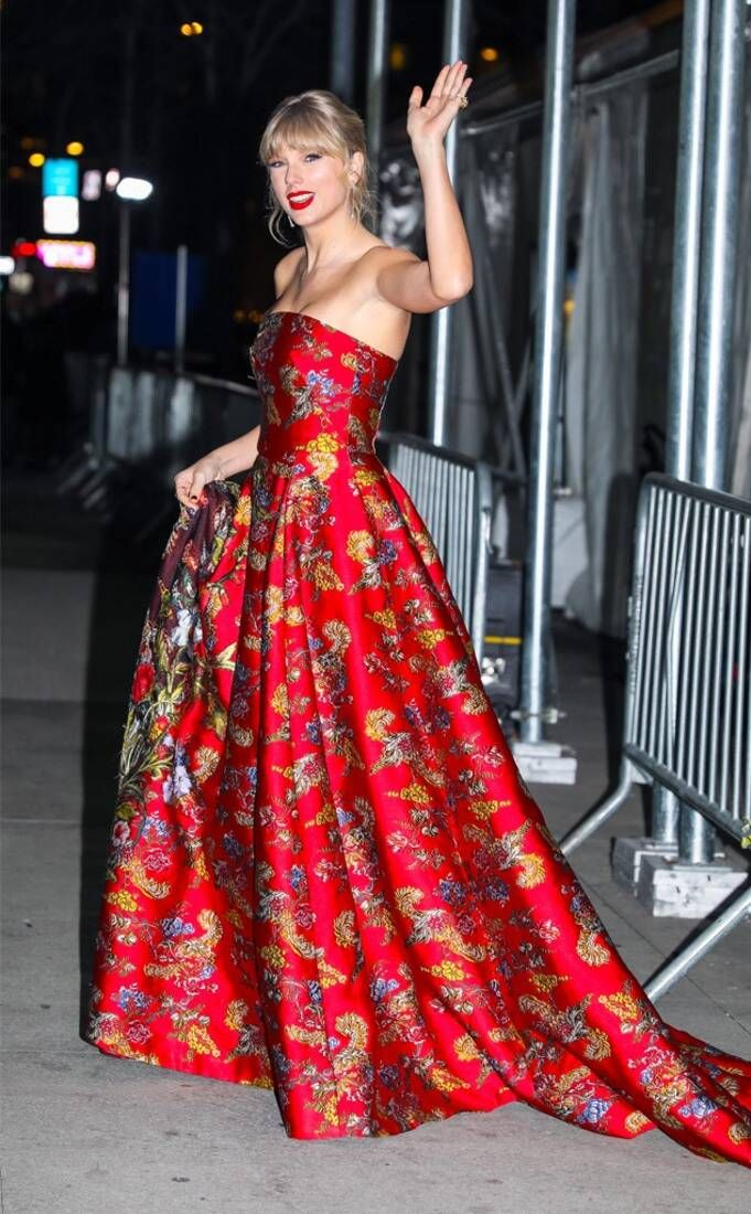 Taylor Swift from The Big Picture: Today's Hot Photos | E ...