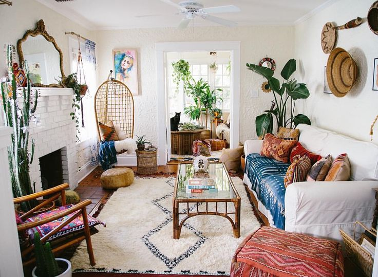 Decor Ideas For Apartments best 25+ hippie apartment decor ideas on pinterest | boho room
