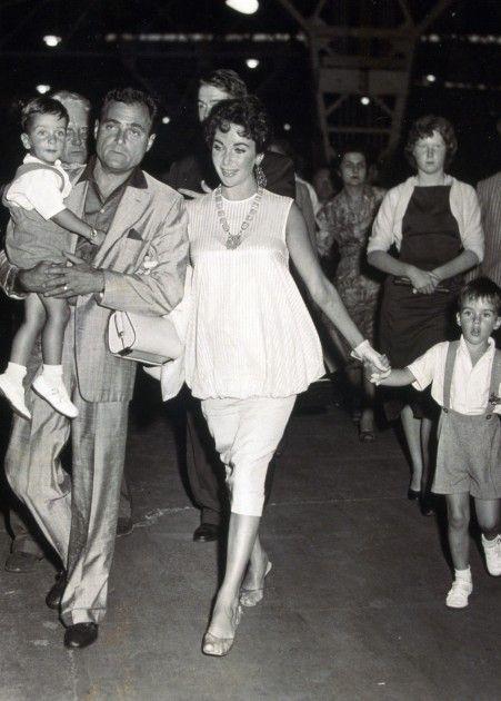 elizabeth taylor children and grandchildren | Elizabeth Taylor Pregnant Mike todd, elizabeth taylor and mike d ...