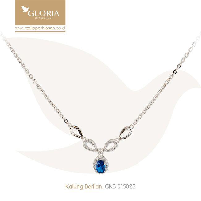 Kalung Emas Putih Liontin Mata Zubic Zerconia Putih Biru. #goldnecklace #necklace #goldstuff #gold #goldjewelry #jewelry #perhiasanemas #kalungemas #tokoperhiasan #tokoemas