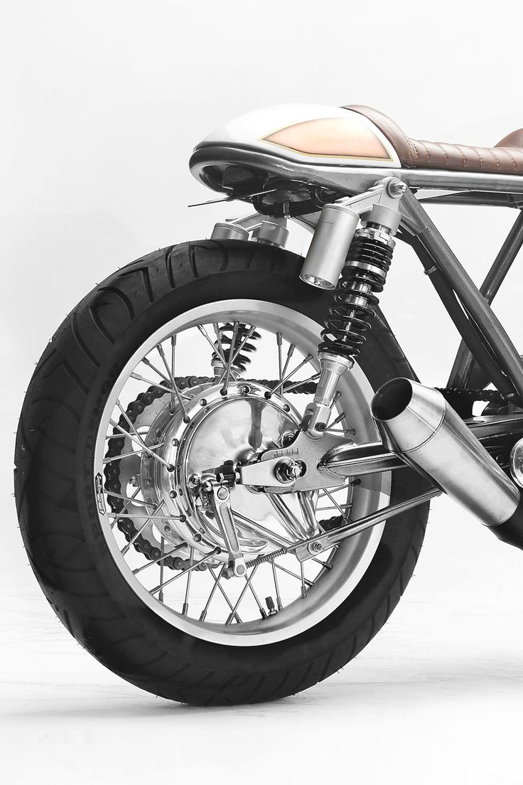 In the 2017 world of custom bikes there is an enormous number of styles of motorcycles being built with new names like Neo Racer and Cafe Fighter emerging over time. But for all of the custom builders around the world there are a handful who simply create, the style takes care of itself...